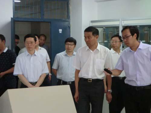 市委书记李公乐莅临吉姆克能源生物质实验室